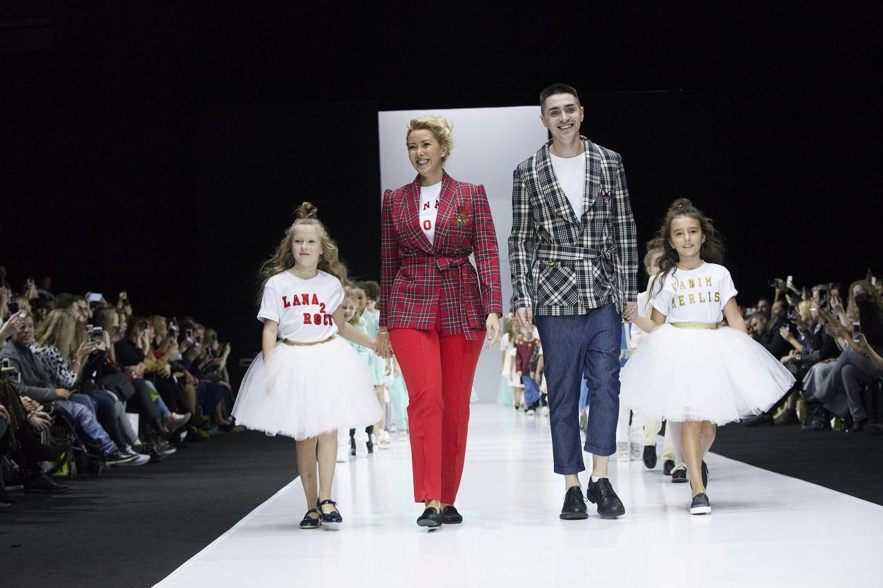 """Наряды для самых юных модниц и образы в стиле back to school: смотрим """"семейный"""" показ Lana2rock Fashion & Vadim Merlis"""