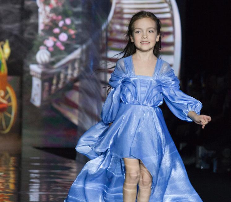 Платья принцесс и сказочная тематика: дочери Киркорова, Бородиной, Гогунского и других стали звездами модного показа