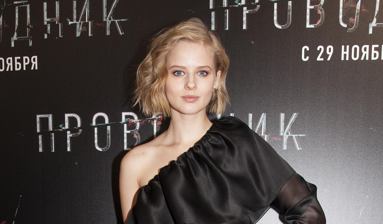 Бортич пришла на премьеру своего фильма в полупрозрачном платье на одно плечо, а Снигирь — в кожаных штанах и под руку с Цыгановым