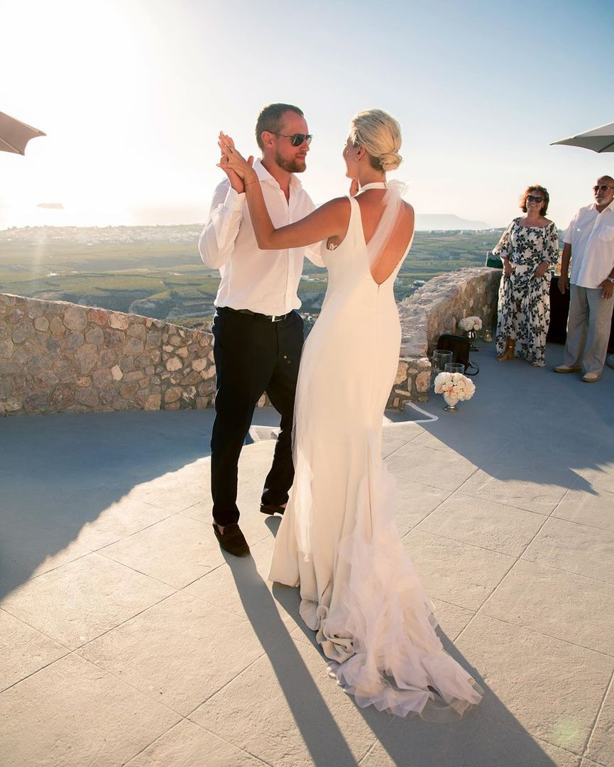 елена летучая показала первые фото со свадьбы свою очередь, должны