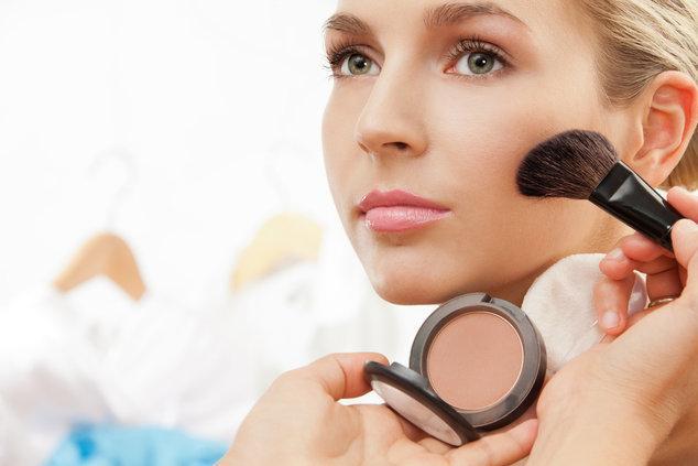 Косметика для сухой кожи лица (профессиональная, лечебная, декоративная): как правильно выбрать