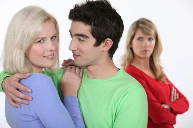 Часто ли зрелый мужчина при наличии любовницы занимается сексом с женой