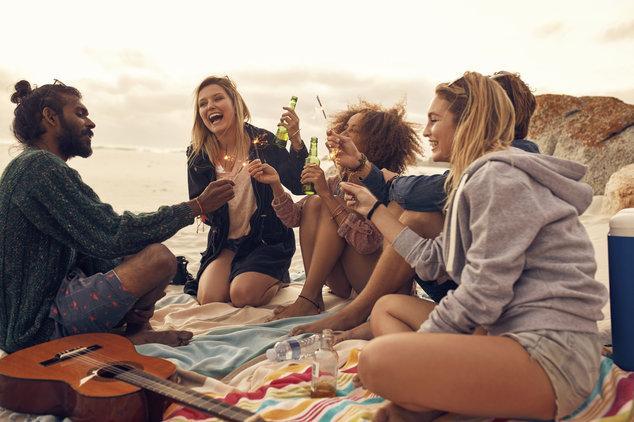 Секс сдумя пьяными девочками