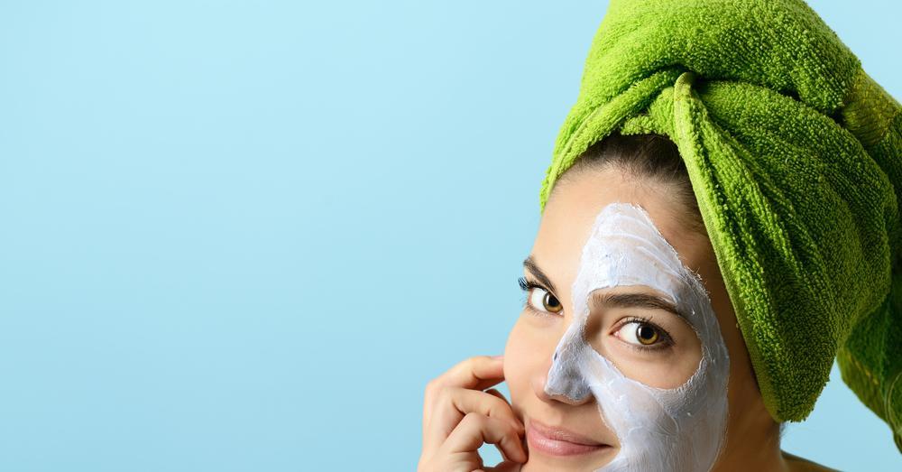 Как осветлить кожу лица в домашних условиях с помощью масок