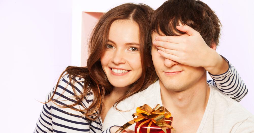 Что подарить мужу на годовщину свадьбы 🥗 оригинальные подарки любимому