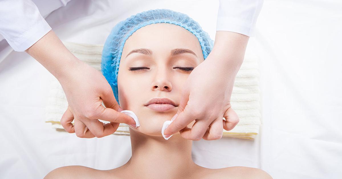 Чистка лица для ровной кожи thumbnail