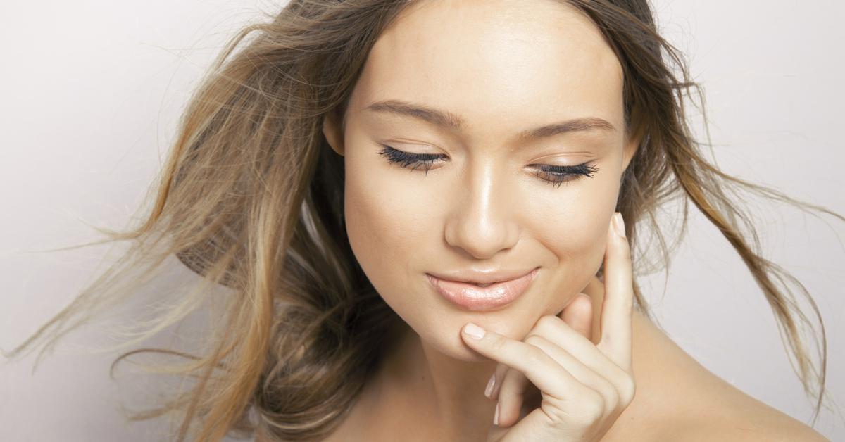 Основа под макияж для жирной кожи: рейтинг 6 лучших матирующих баз для макияжа