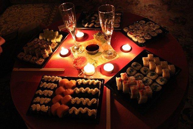Как устроить романтический вечер любимому – лучшие идеи!   WMJ.ru