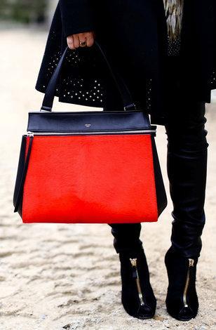 Чёрная обувь с сумкой какого цвета