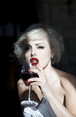 Пьяная женщина имальчик секс